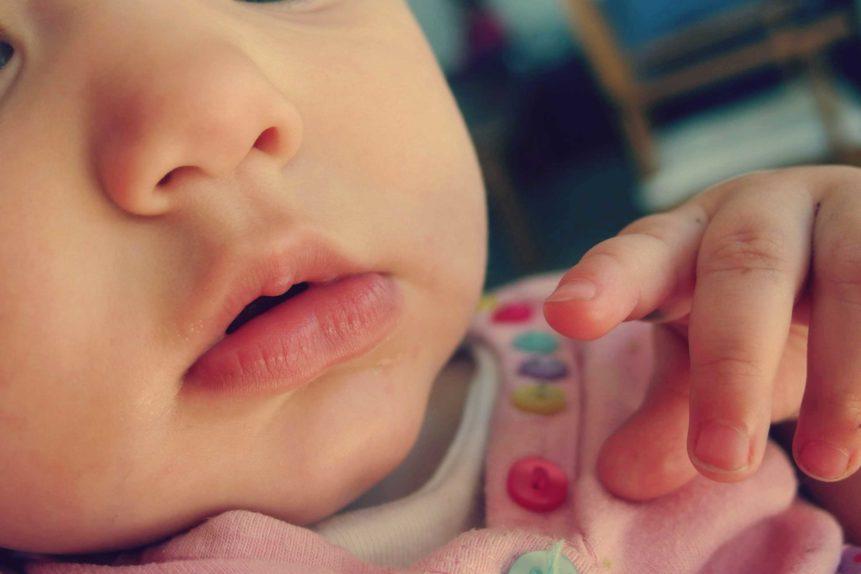 bien gérer la période de poussée dentaire de votre bébé